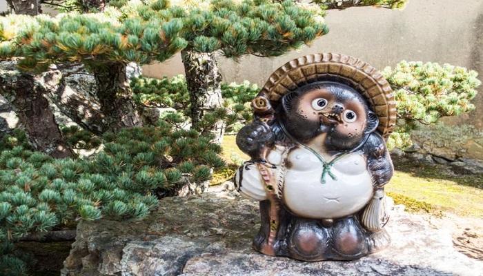 tanuki bonsai en la cultura japonesa